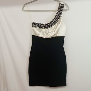 Formal or cocktail dress size 7